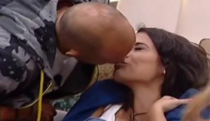 bacio stefano bettarini alessia macari